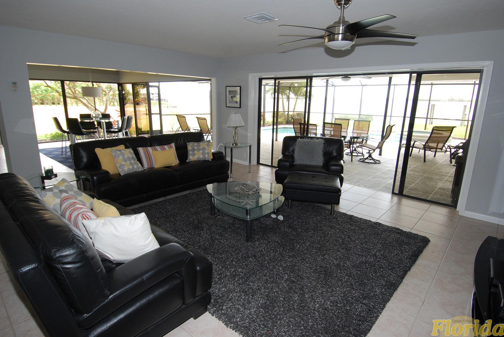 wohn esszimmer gestalten wohn esszimmer einrichten wohn und esszimmer gestalten attraktive deko. Black Bedroom Furniture Sets. Home Design Ideas