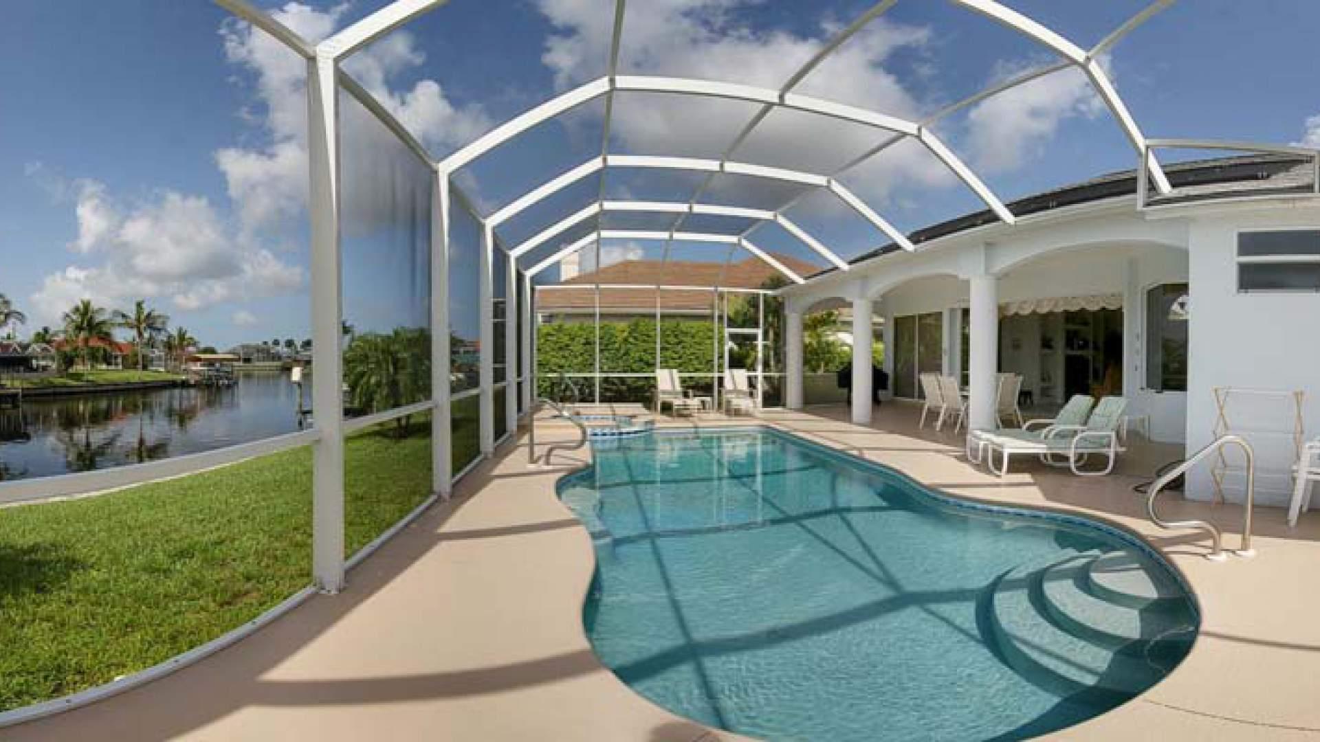 Pool und Spa haben eine Solarheizung