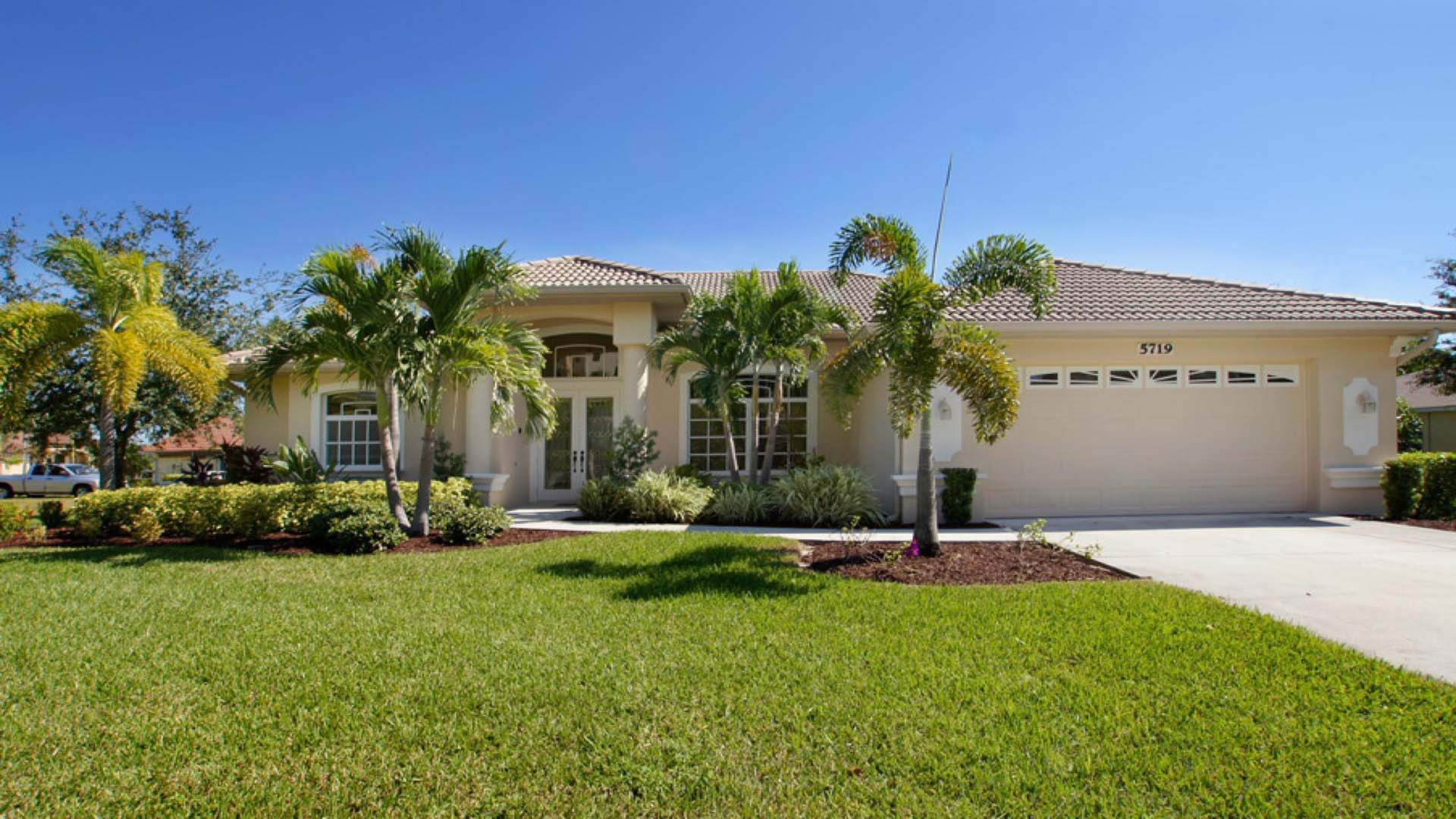 Ein Paradebeispiel für ein modernes Ferienhaus in Florida