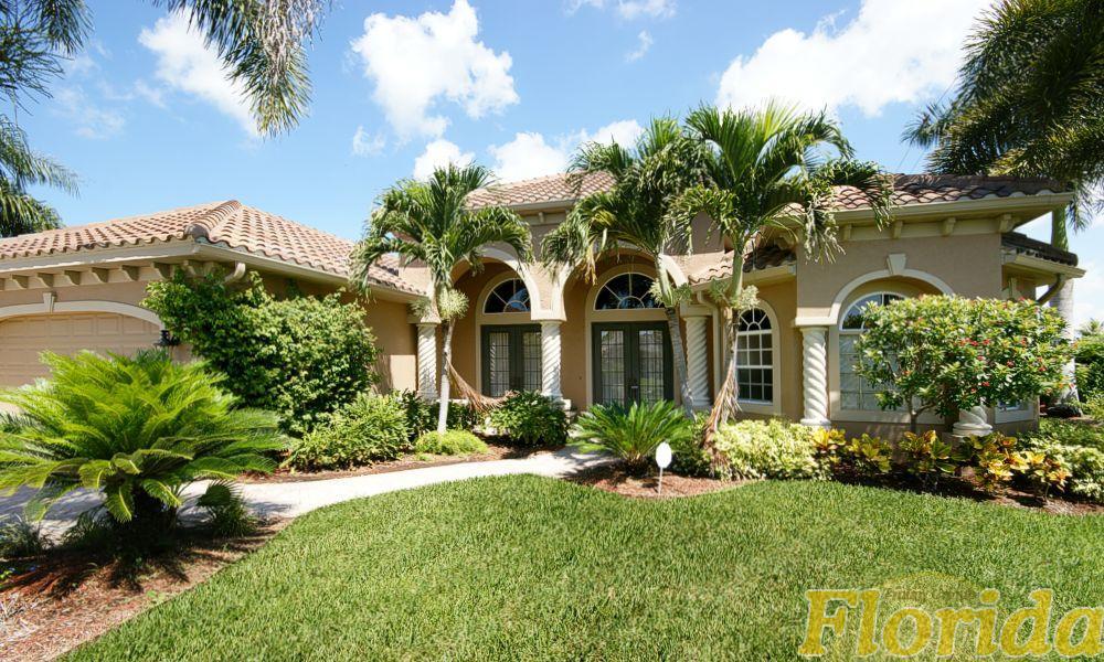 Dieses Haus ist besonders stilvoll möbliert und eingerichtet. Luxus und Komfort sind hier ideal kombiniert.